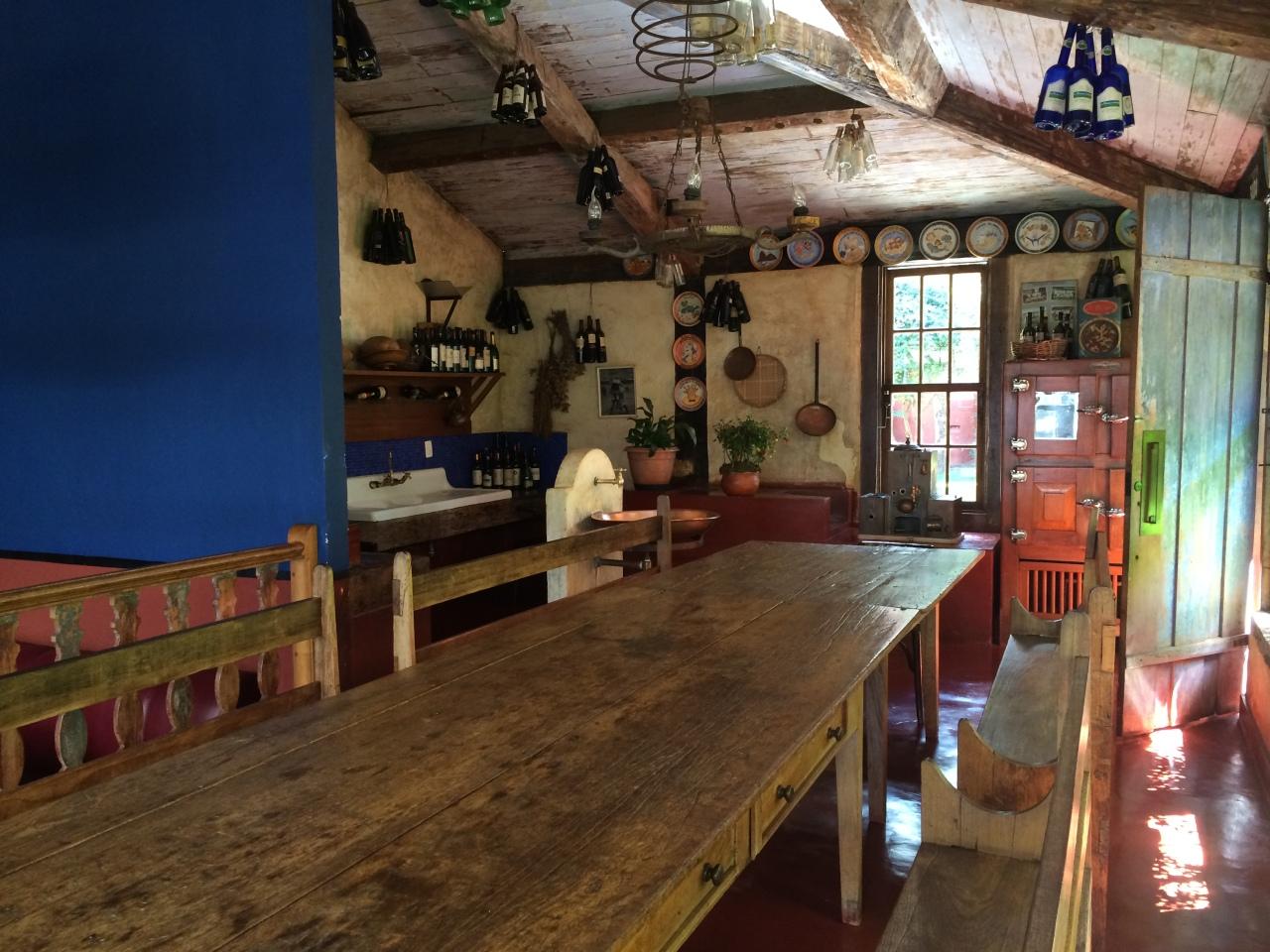 O dia está bom pra almoçar com os amigos em um lugar fofo, com carne boa: La Victoria, em NovaLima