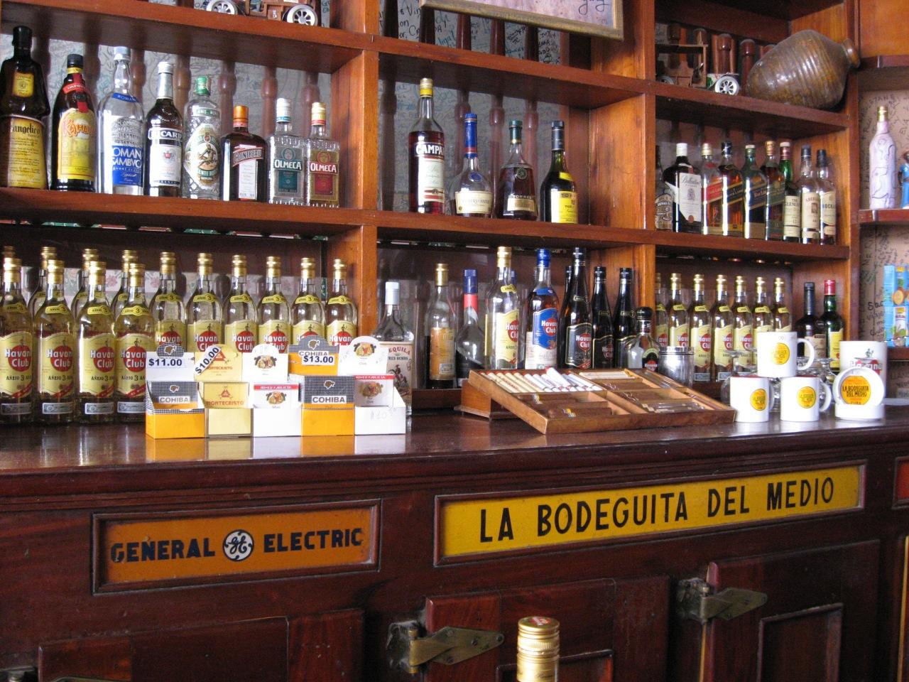 Bodeguita_del_Medio,_Havana,_Cuba_8